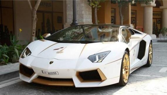 Интересное: Золотой Lamborghini