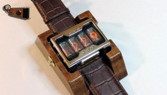 Технологии: Часы *Неоника*