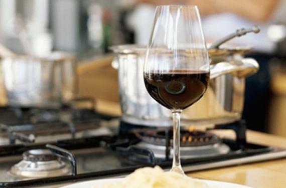 кухня: Готовим с алкоголем