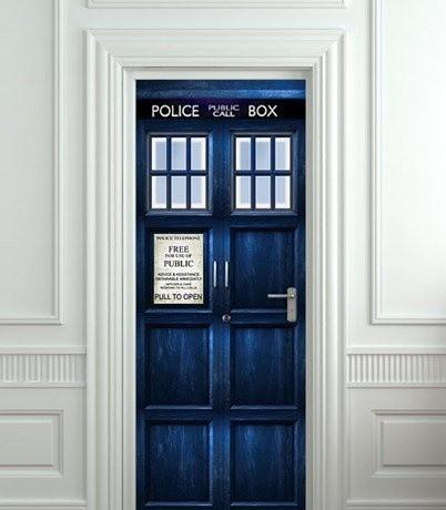 Интересное: Наклейки на дверь