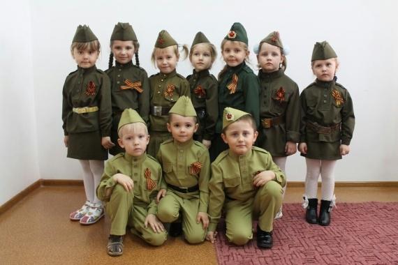 Общество: Солдаты!:-)