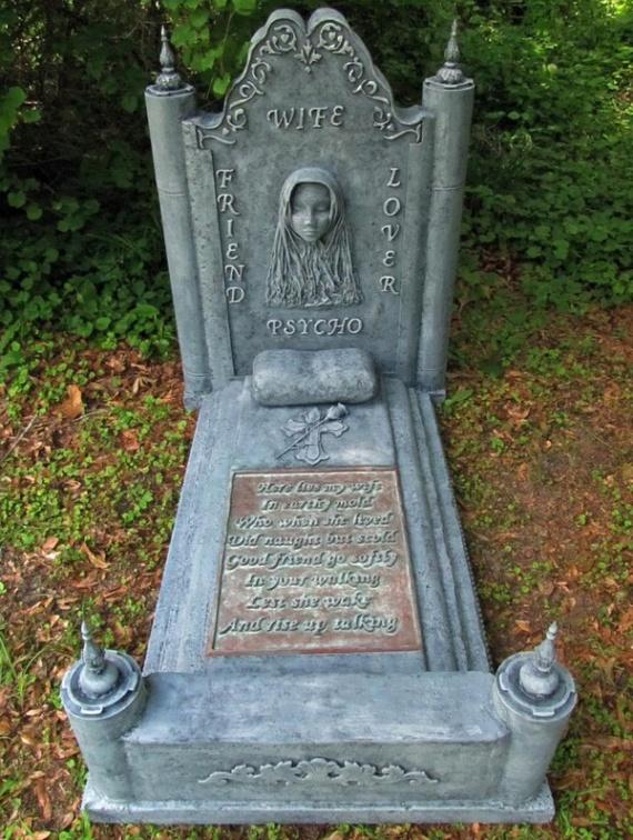 Семья: Могила жены:-)