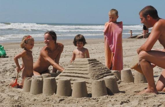 Нудистские пляжи семейные фото