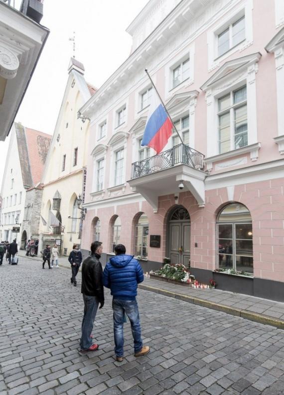 Общество: Посольство РФ в Таллинне