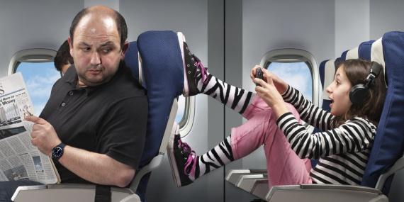 Юмор: Проишествия: Как прекратить дебош в самолете. Кошерное решение:-)