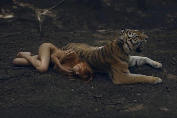 Интересное: Девушки и животные