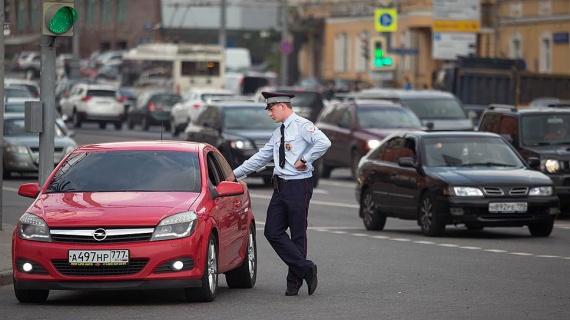 Новости: Ужесточают наказание за тонировку и вождение без прав
