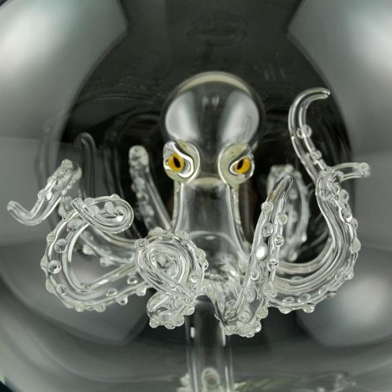 Интересное: Фигуры из стекла
