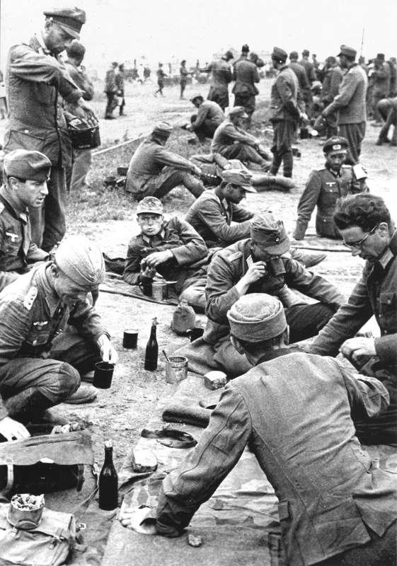 Интересное: Как кормили пленных немцев