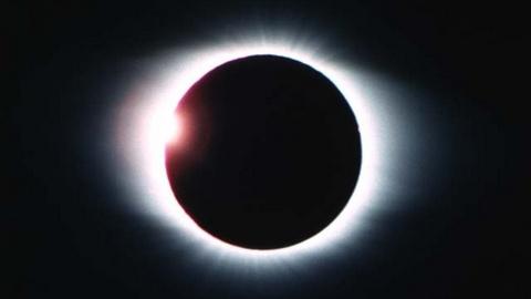 Новости: Солнечное затмение