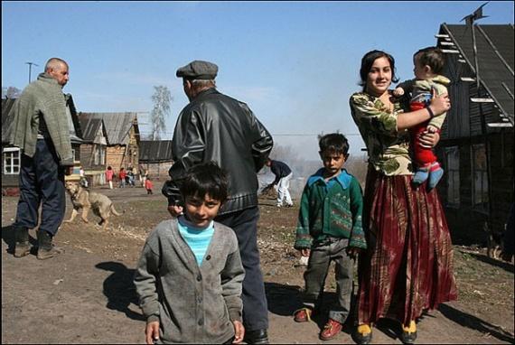 Общество: Нетолерантно о цыганах