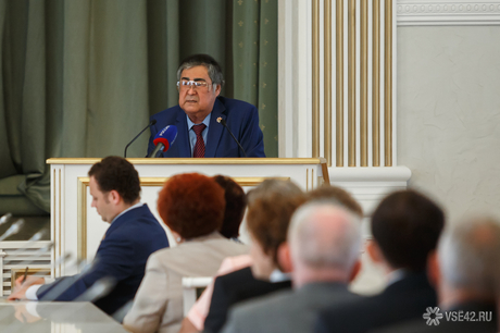 Закон: Аман Тулеев запретил деятельность коллекторов в Кемеровской области