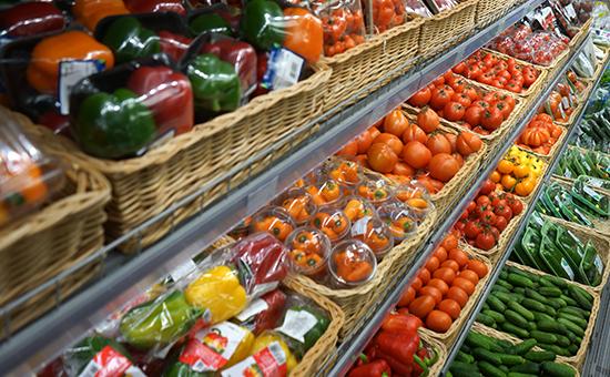 Экономика: Россельхознадзор допустил введение полного запрета на ввоз овощей и фруктов из Турции.