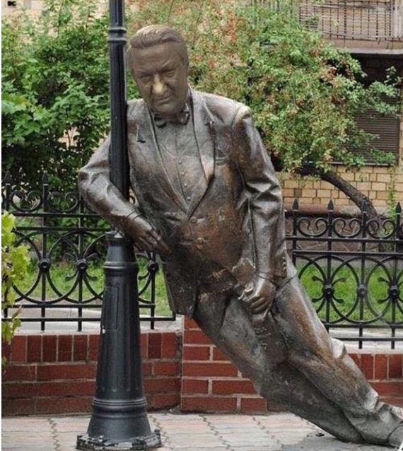 Общество: Народный памятник Ельцину