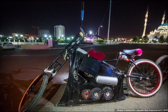 Безумный мир: Чеченские заниженные велосипеды