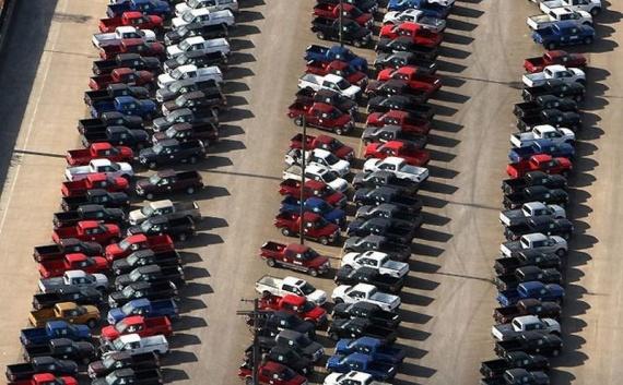Экономика: Куда деваются непроданные машины