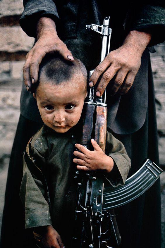 Безумный мир: Дети и оружие
