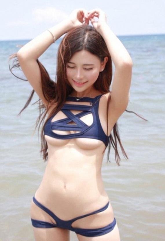 фото японок в купальнике