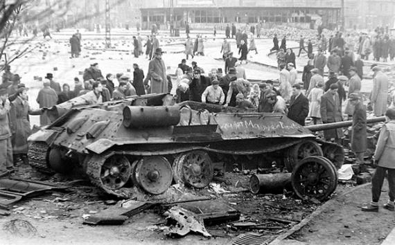 История: Как Венгрия хотела кружевных трусиков