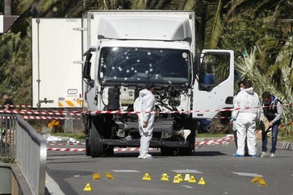 Общество: Спецслужбы получили данные о подготовке терактов в РФ по сценарию атаки в Ницце