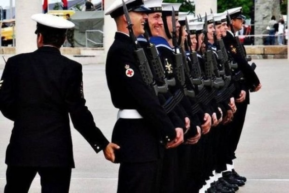 Картинки: Ох уж эта армия...