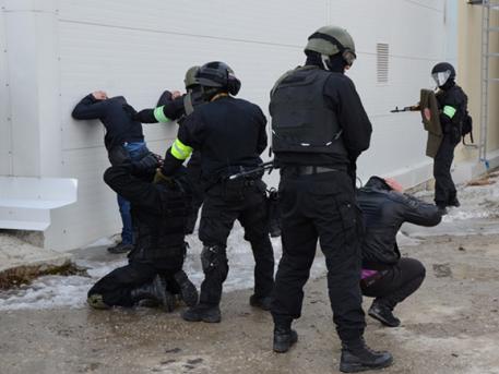 Происшествия: ФСБ предотвратила теракты в Москве и Петербурге