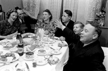 Общество: Как раньше ходили в гости
