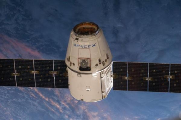 Технологии: SpaceX запустит 4425 спутников для раздачи интернета