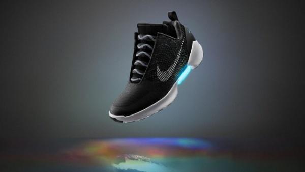Интересное: Стартовали продажи самозашнуровывающихся кроссовок Nike