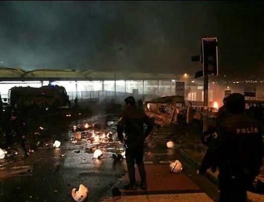 Новости: Происшествия: Двойной теракт в Стамбуле