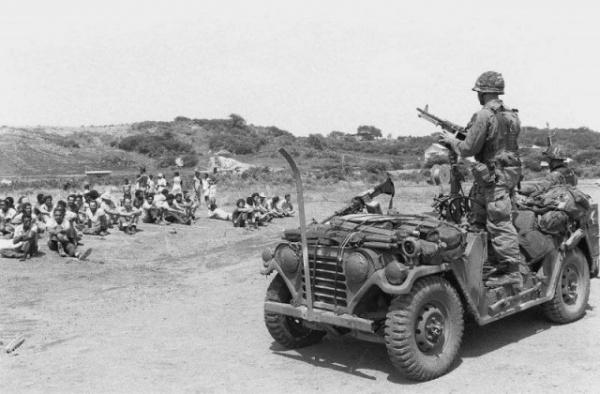Война: Строители против спецназа