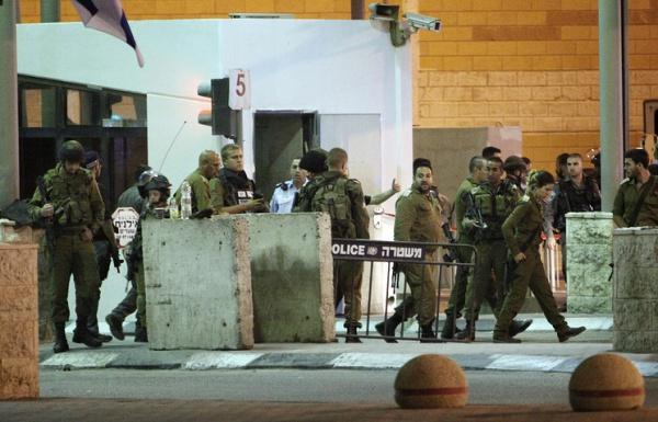 Происшествия: В Иерусалиме грузовик наехал на толпу прохожих. Четыре человека погибли