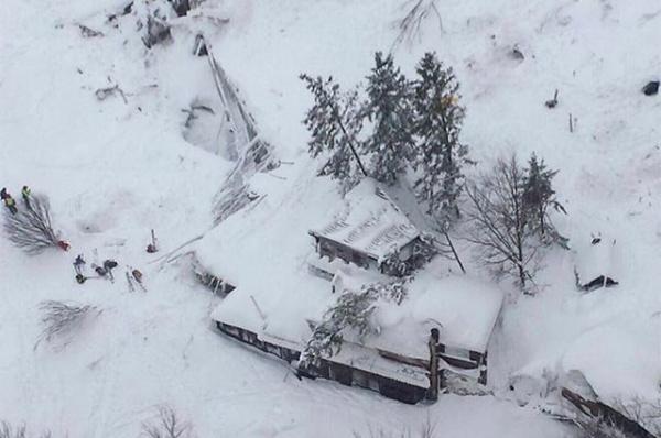 Происшествия: В горном отеле в Италии погибло 30 человек