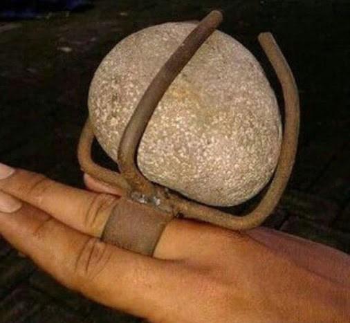 Юмор: Хочу кольцо с большим камшком