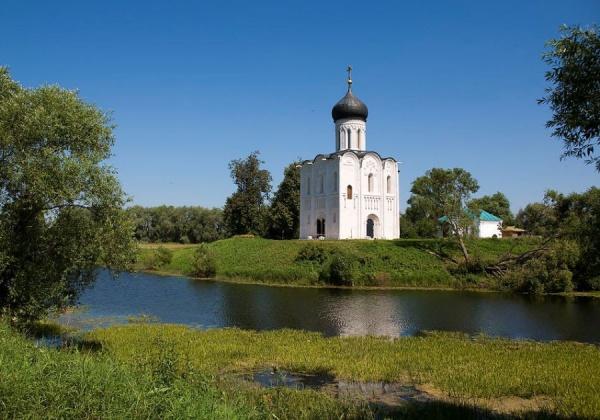 Интересное: В чем чем разница между храмом и церковью?