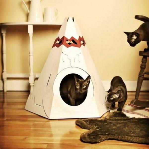 Интересное: Игрушки для кошек