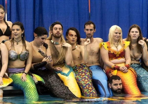 Безумный мир: Конкурс русалок в Америке