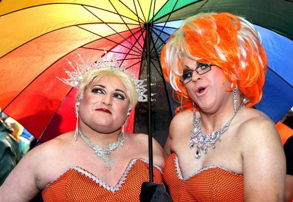 Безумный мир: Лесбиянка из США выиграла в суде дело против эстонских пограничников