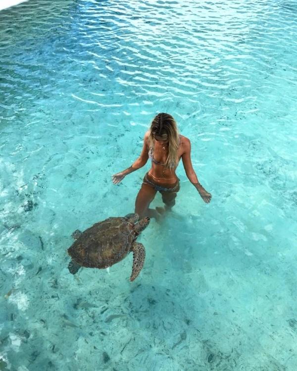 Путешествия: Девушка и природа