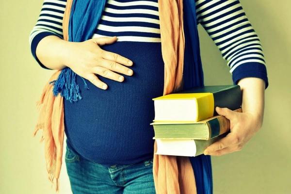 Новости: Беременных студенток переведут на бюджет