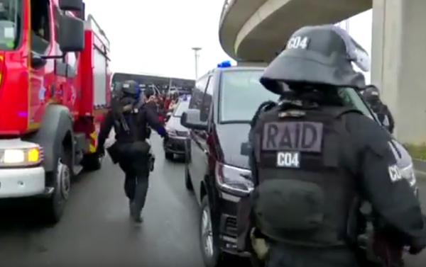 Терроризм: В парижском аэропорту Орли ликвидирован террорист