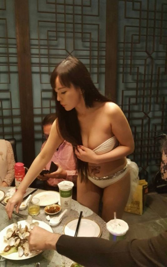 Картинки: Китайские официантки