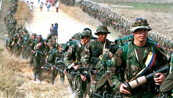 Происшествия: Похищенный колумбийскими повстанцами россиянин отобрал у охраны оружие, открыл огонь и сбежал