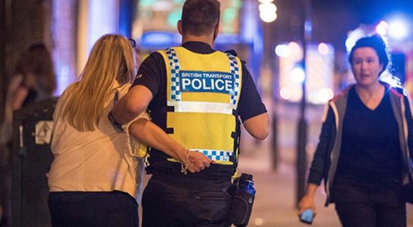 Терроризм: В Манчестере теракт, 19 человек погибло