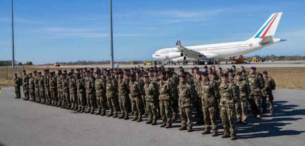 Политика: Французским солдатам в Эстонии запретили приближаться в форме к границе РФ