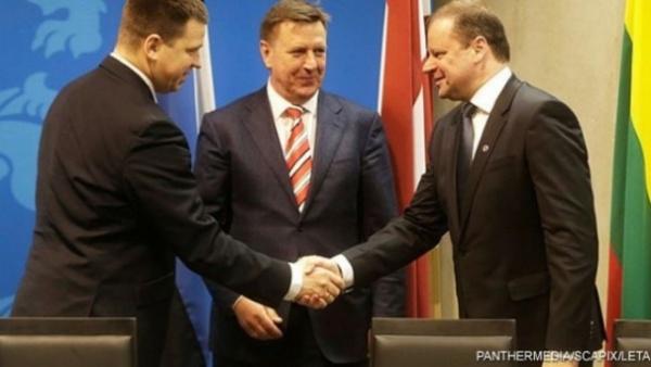 Страны: На каком языке общаются между собой премьеры Литвы, Латвии и Эстонии?