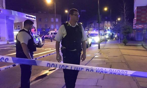 Терроризм: В Лондоне фургон въехал в толпу людей. Минимум 10 человек погибли