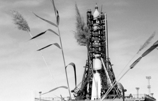Происшествия: 0 июня 1971 года при возвращении на Землю погиб экипаж советского космического корабля «Союз-11»