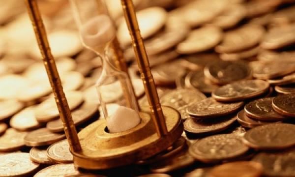 Право и закон: Россиянам подняли планку долга для запрета на выезд за границу