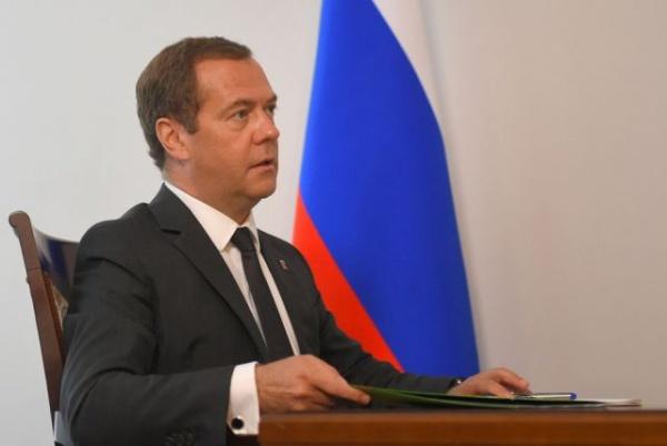 Финансы: Медведев распорядился оказать помощь ипотечным заемщикам